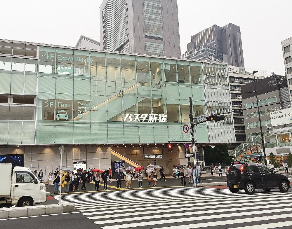 ニュウマン バスタ新宿