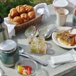 【星のや富士】ふかふかパンに焼き立てキッシュ!「モーニングBOX」でゆるゆる朝ごはん