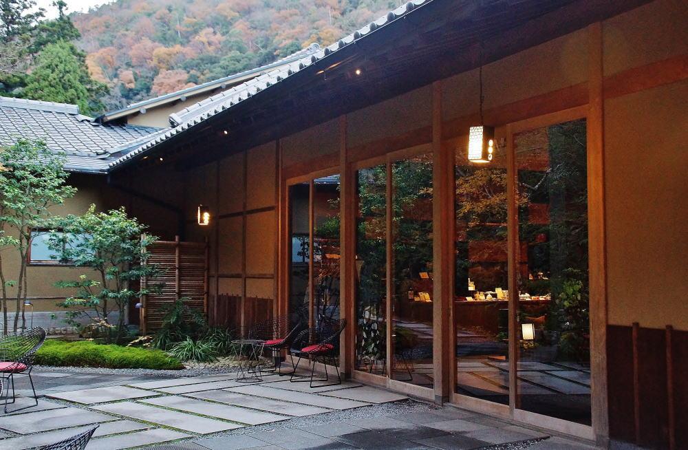星のや京都 フロント
