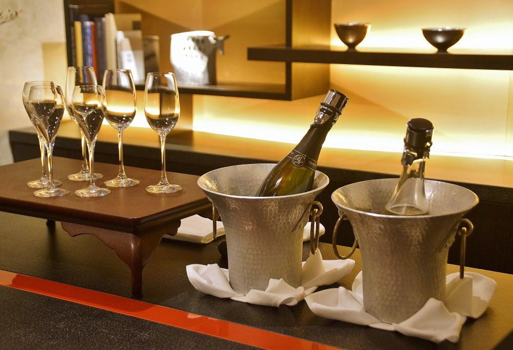 Salon & Bar 蔵 無料シャンパン