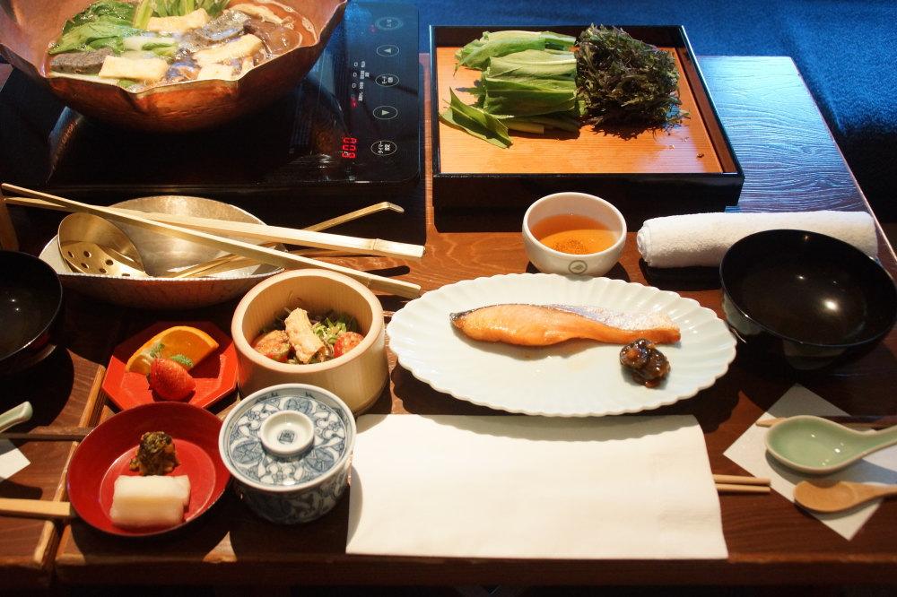 星のや京都 お部屋での朝鍋