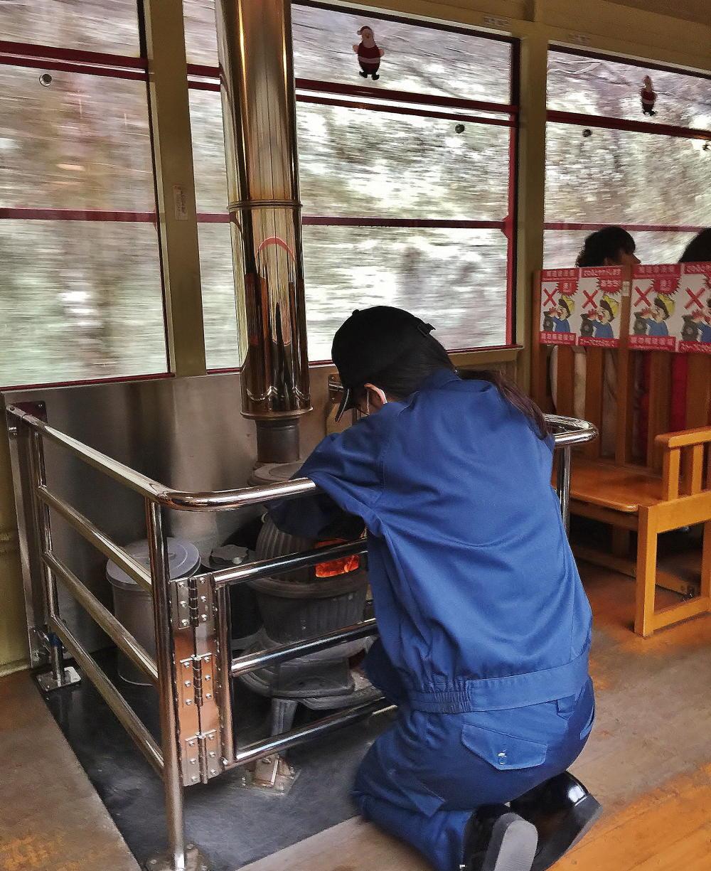 嵯峨野観光列車 トロッコ列車 ストーブ列車