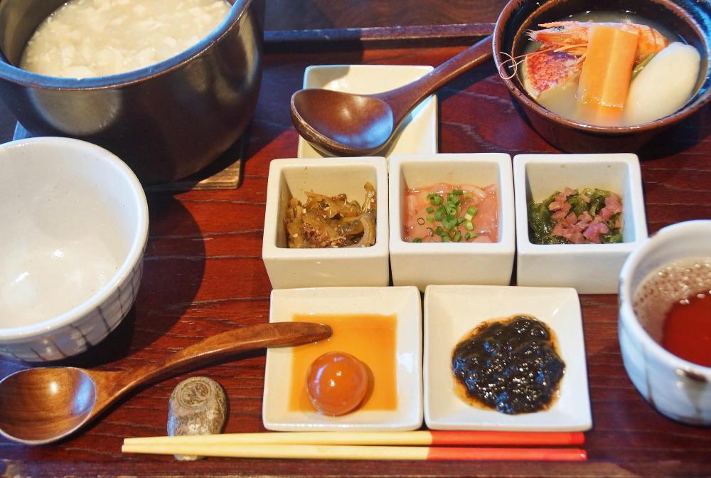 ゆし豆腐粥朝食