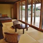 【星のや竹富島】お部屋をどこよりも詳しく紹介!琉球畳に広々ソファーベッド、アメニティも♪