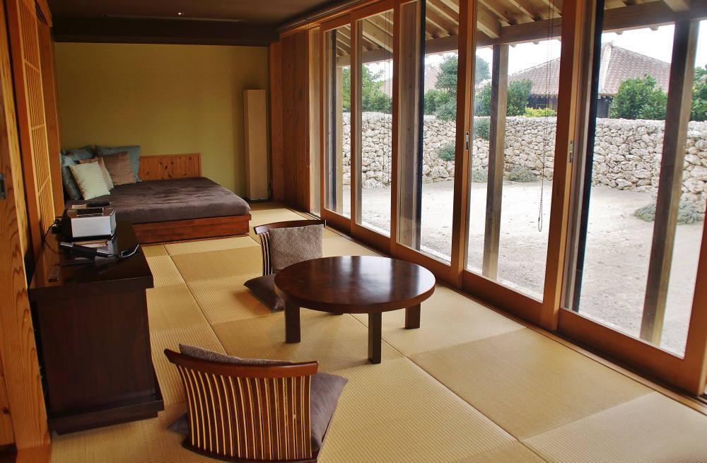 星のや竹富島 客室 キャンギ 琉球畳
