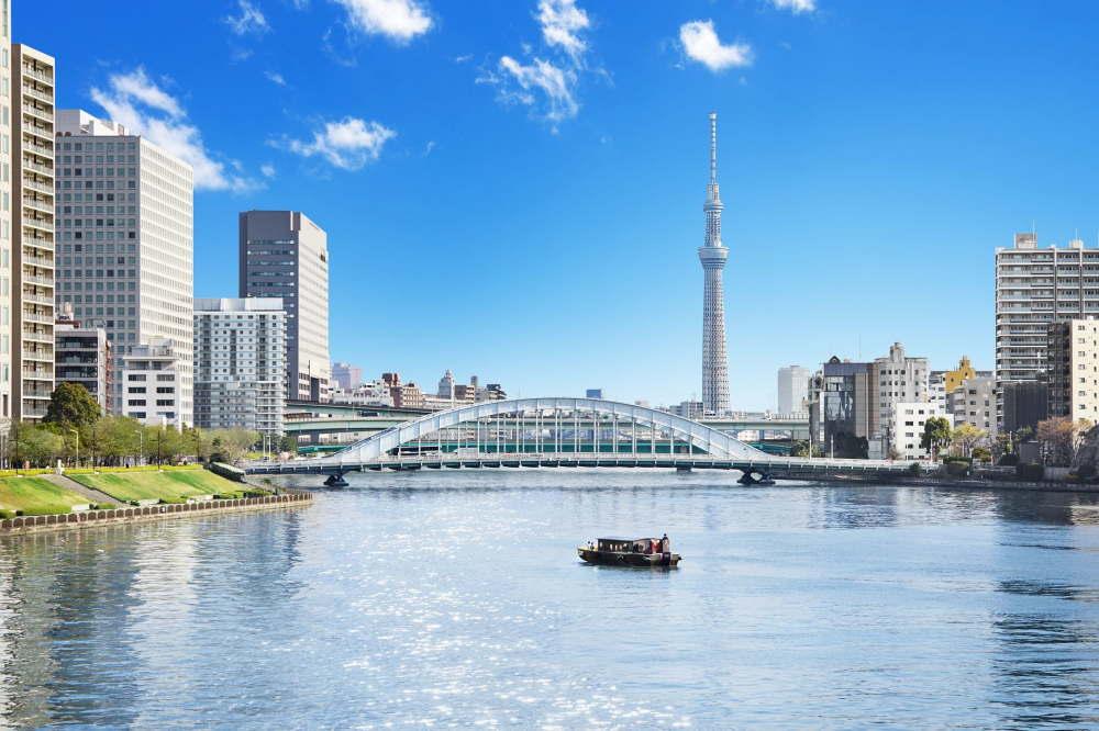 東京・夏の朝の舟あそび