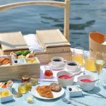 【NEWS】星のや東京、シャンパンと焼き立てクロワッサンを楽しむリバークルーズ「東京・夏の朝の舟あそび」