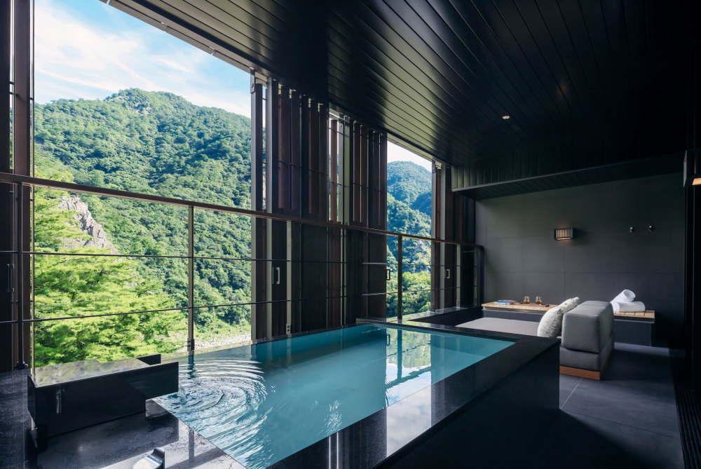 台湾 星のやグーグァン 「月見」の半露天風呂