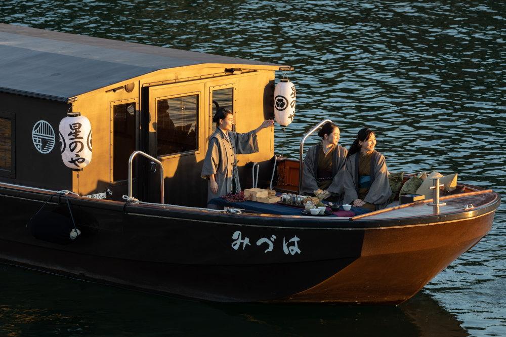 「東京・秋の夕さり舟あそび」の様子