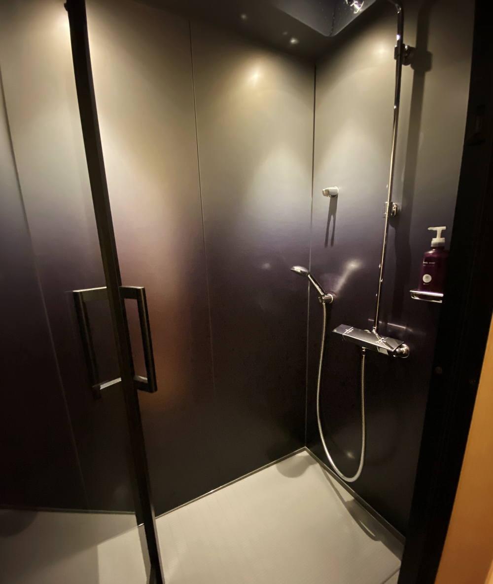 界 長門のシャワールーム